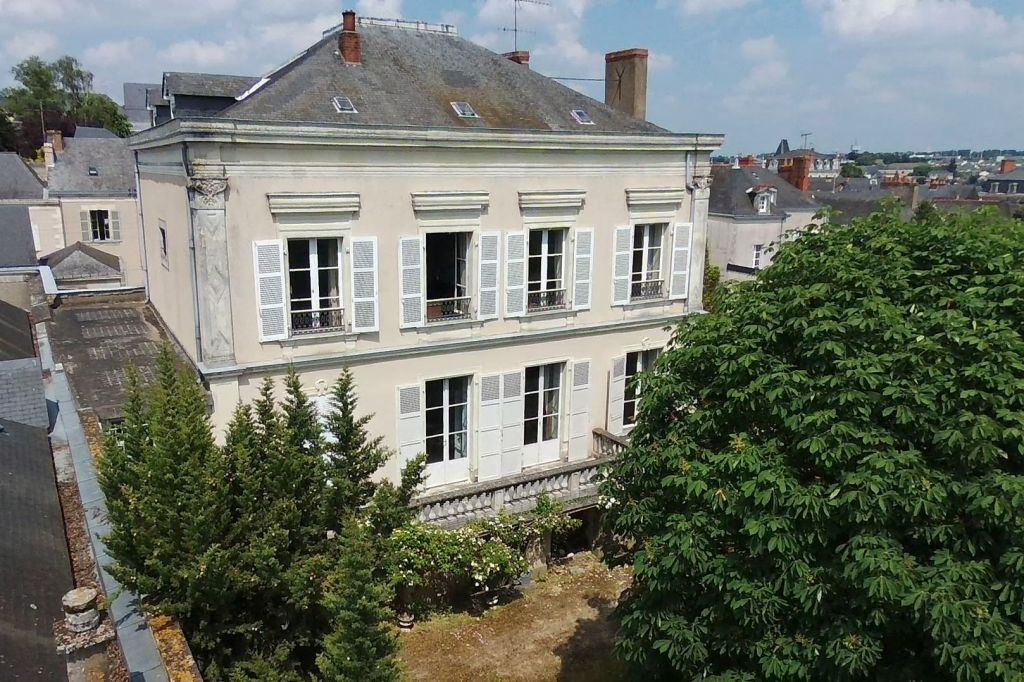 mansion 15 rooms for sale on Chateau gontier (53200) - See details