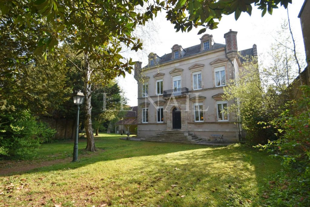 mansion 15 rooms for sale on LE BLANC (36300) - See details